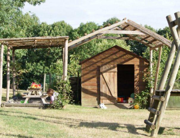 Retrouvez des jeux pour enfants à Bulle Nature, sur le site préservé de la Prévisière, au Poiré sur Vie en Vendée